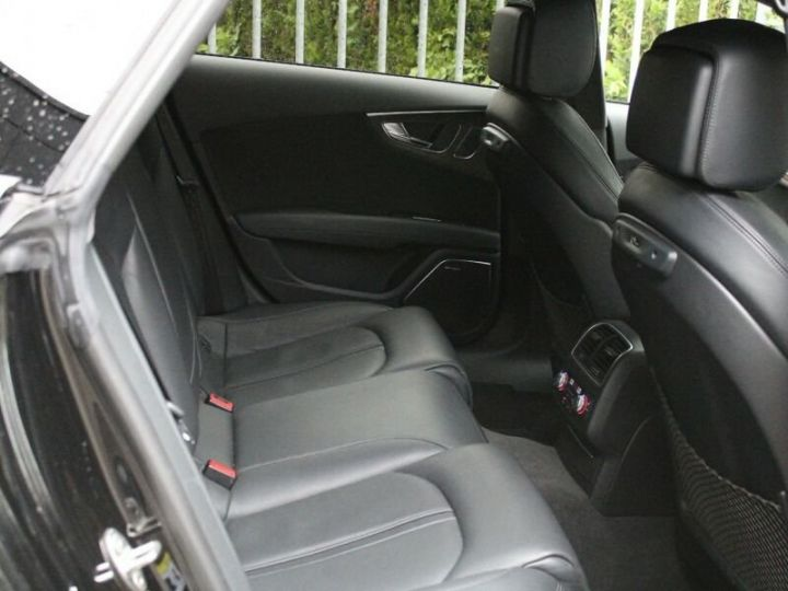 Audi RS7 Noir métallisée  - 15