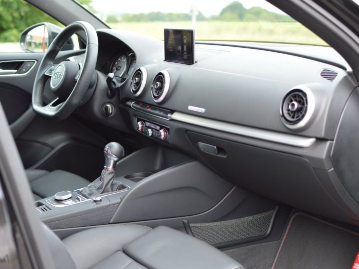 Audi S3 Audi s3 berline ph.2 2.0 tfsi 310 stronic led 2017 NOIR PANTHERE - 11