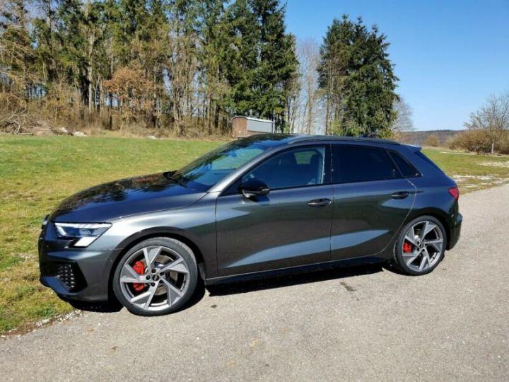 Audi S3 Audi S3 TFSI Sportback S tronic * malus inclus * toit ouvrant  gris daytonna - 3