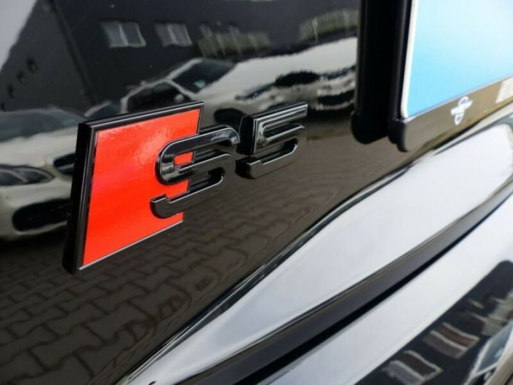 Audi S5 Noir métallisée  - 17
