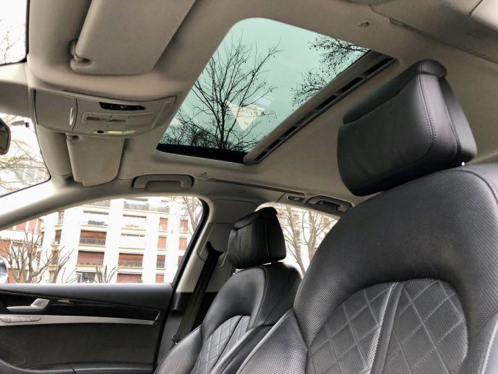 Audi S8 Noir nacre - 15