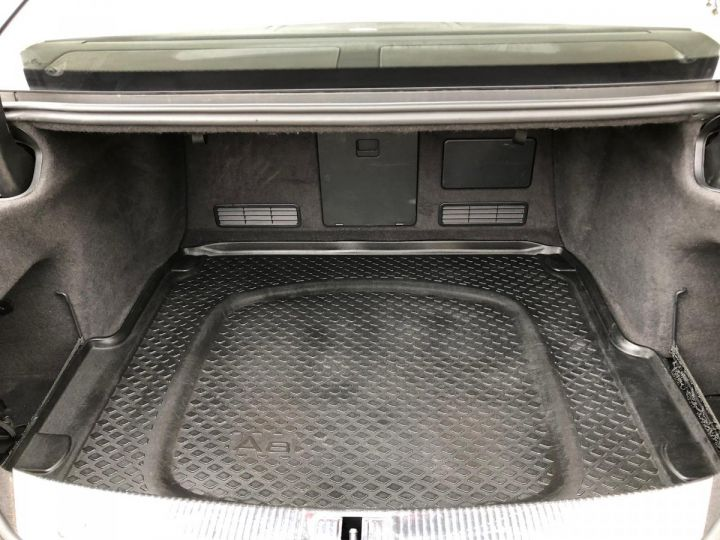 Audi S8 Noir nacre - 17