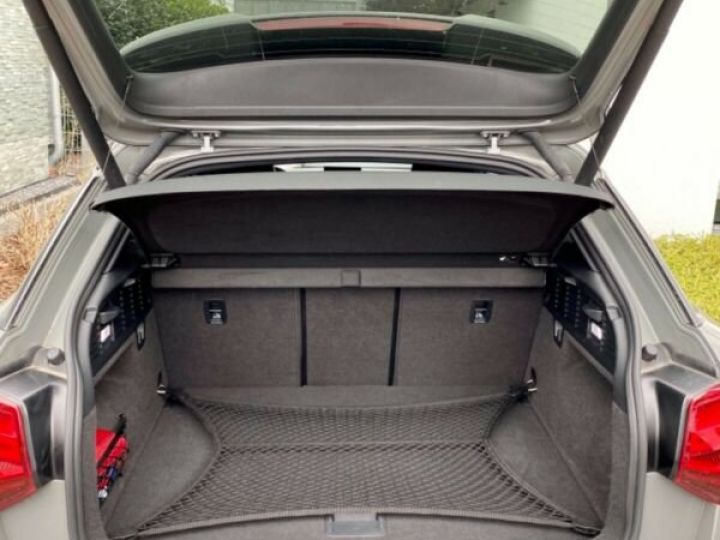 Audi SQ2 Audi SQ2 2.0L TFSI 300 CH GPS/Siges Recaro gris foncé - 7