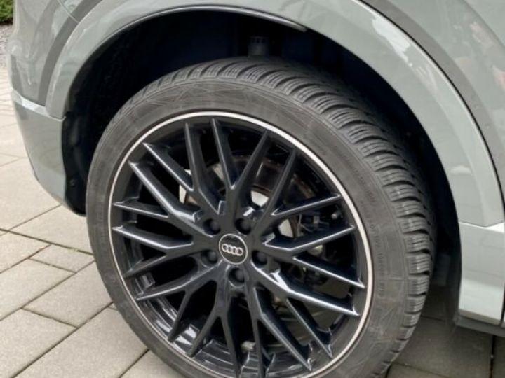 Audi SQ2 Audi SQ2 2.0L TFSI 300 CH GPS/Siges Recaro gris foncé - 9