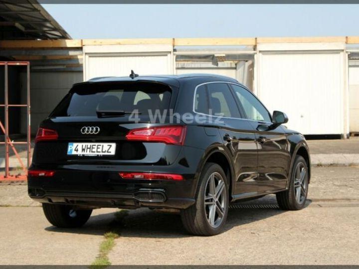 Audi SQ5 noire - 5