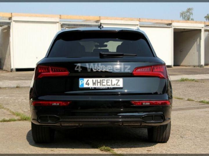 Audi SQ5 noire - 6