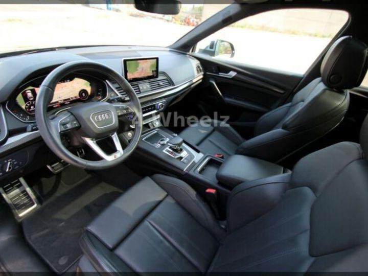 Audi SQ5 noire - 9