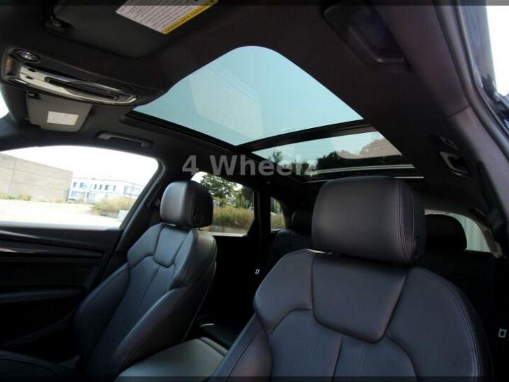 Audi SQ5 noire - 11