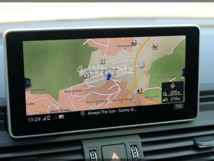 Audi SQ5 noire - 13