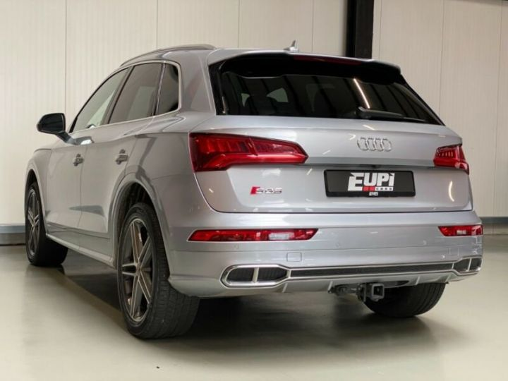 Audi SQ5 gris - 4