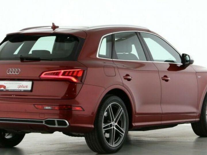 Audi SQ5 rouge - 1