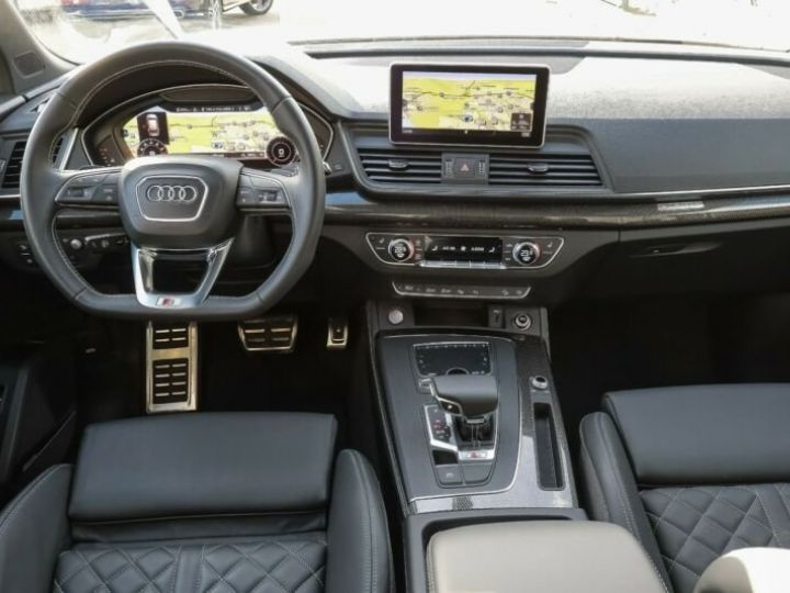 Audi SQ5 noir - 14