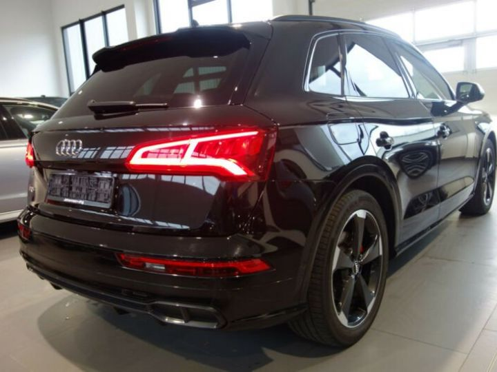 Audi SQ5 noir mythos - 9