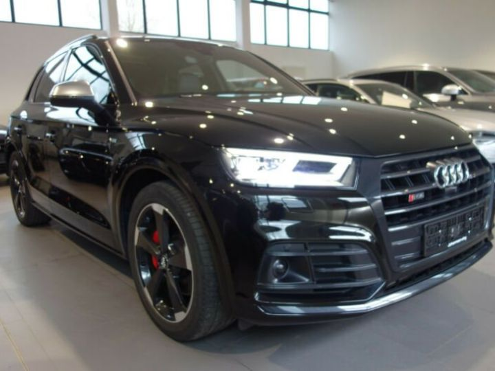 Audi SQ5 noir mythos - 10