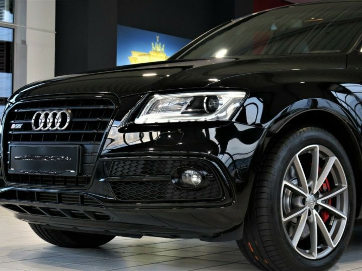 Audi SQ5 3.0TDI competition qua*NAPPA*MMI*XENON Noir Peinture métallisée - 4
