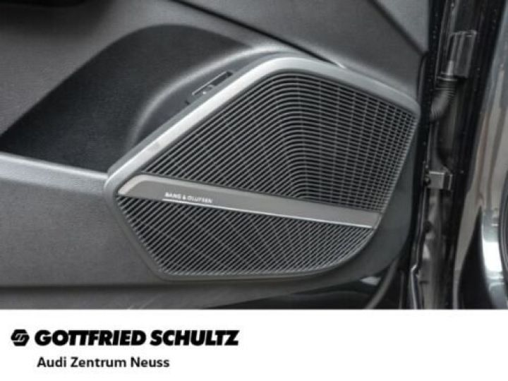 Audi SQ5 Audi SQ5 3.0 TDI quattro GPS / CLIM/ Phare LED MATRIX/ Toit PANO / Garantie 12 mois  Gris métallisée  - 12