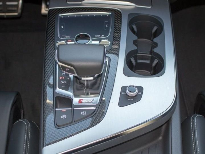 Audi SQ7 gris Daytona - 4