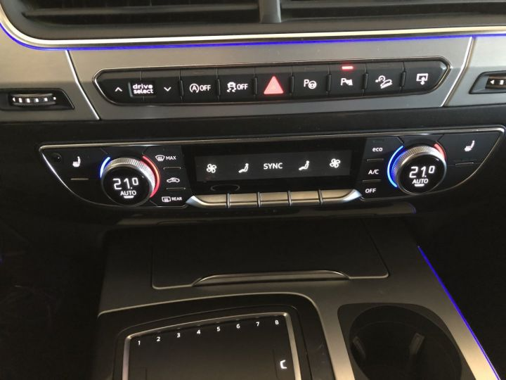 Audi SQ7 4.0 TDI 435 CV QUATTRO BVA 7PL Noir - 11