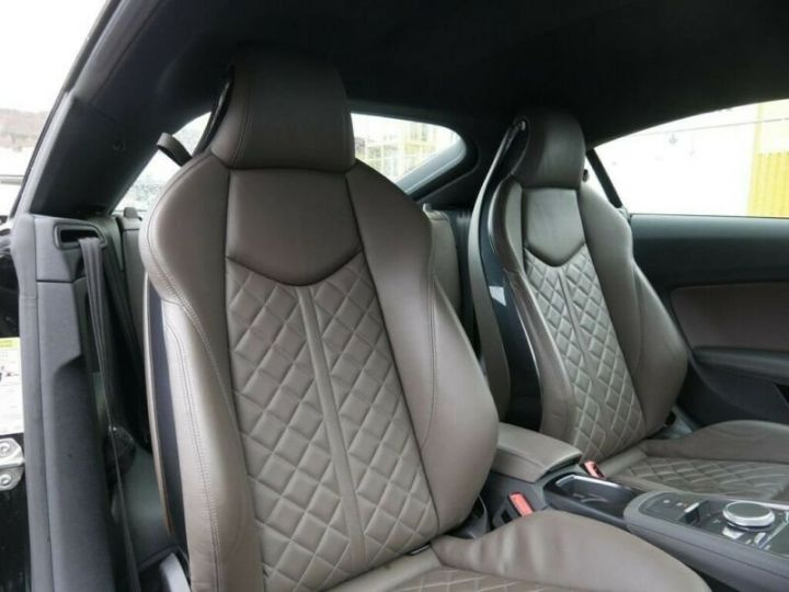 Audi TT noire - 11