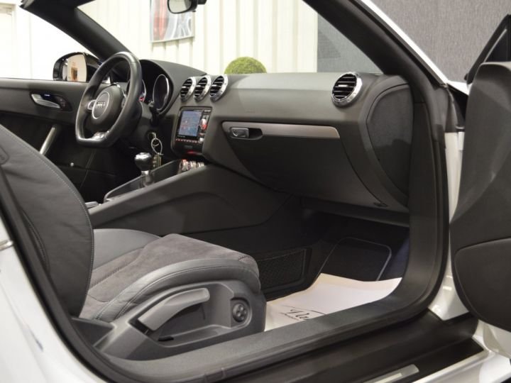 Audi TT Roadster Magnifique audi tt mk2 roadster s-line competition 2.0 tfsi 211ch 19 rotor magnetic ride mmi plus BLANC GLACIER - 10