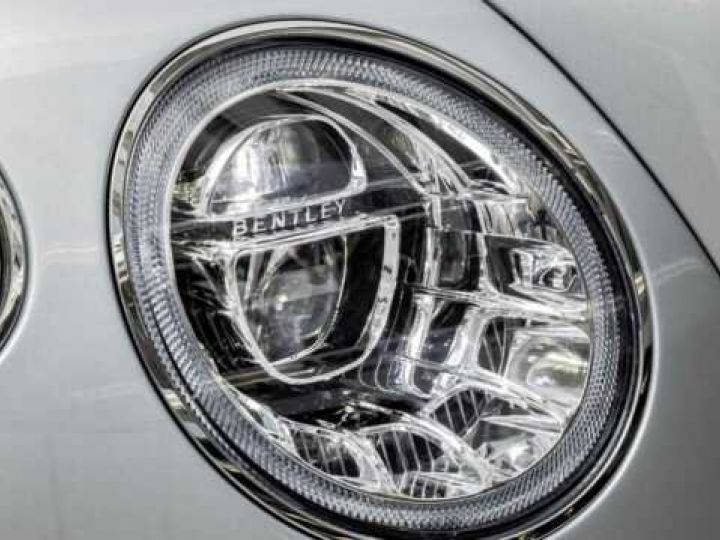 Bentley Bentayga HYBRID silber Moobeam - 6