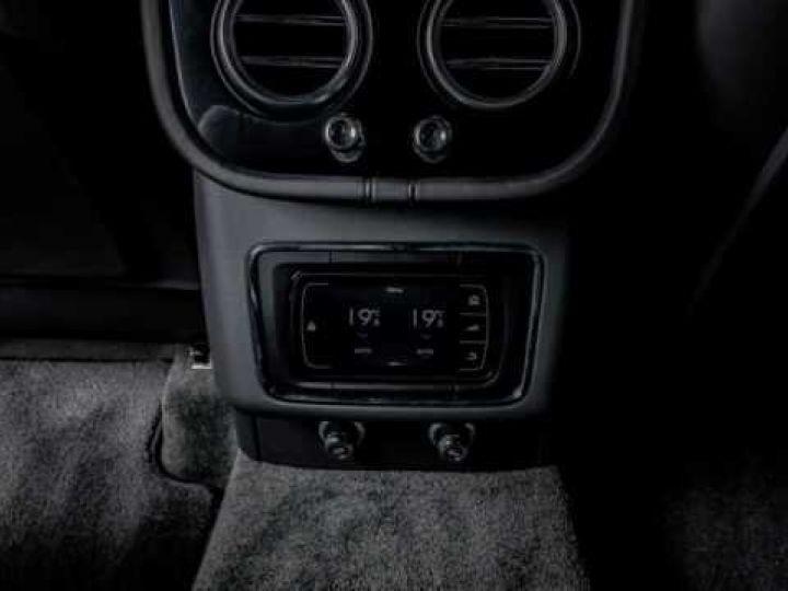 Bentley Bentayga HYBRID silber Moobeam - 11