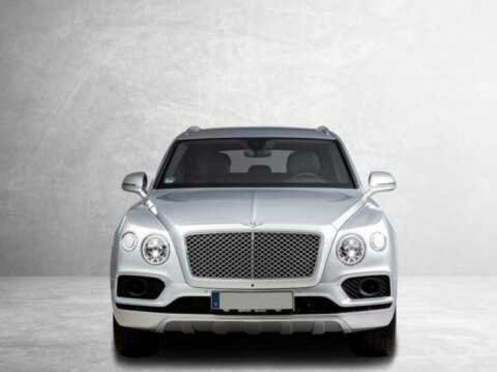 Bentley Bentayga HYBRID silber Moobeam - 19