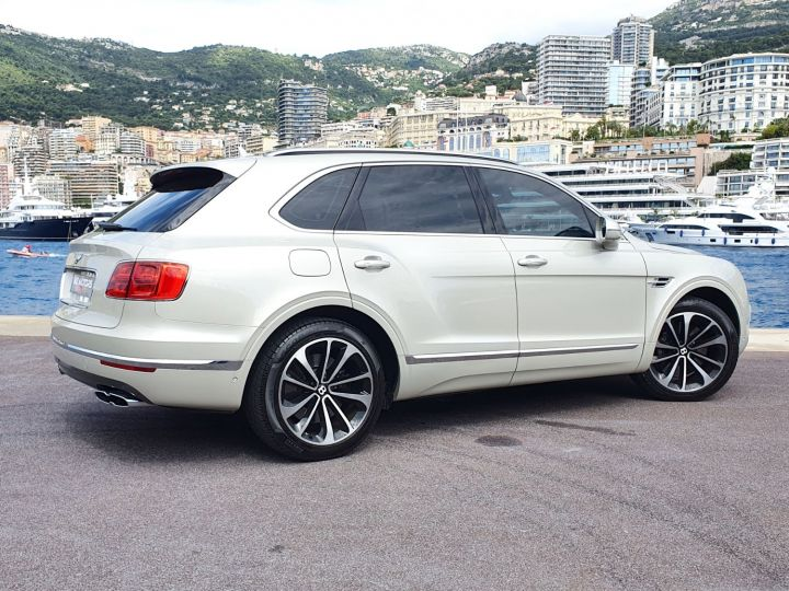 Bentley Bentayga V8 DIESEL 435 CV White Sand Occasion - 10