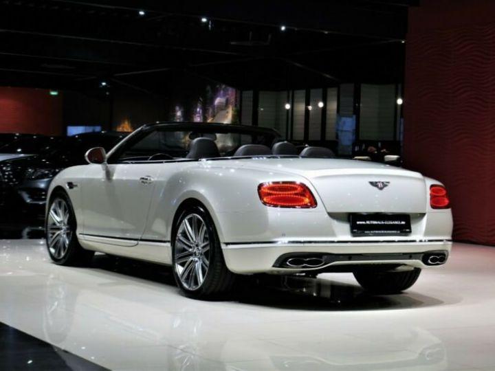 Bentley Continental GT Bentley Continental GT 4.0 V8 * CLIMAT DE SIEGE * SUSPENSION PNEUMATIQUE * 21 GARANTIE 12 MOIS Blanc - 12