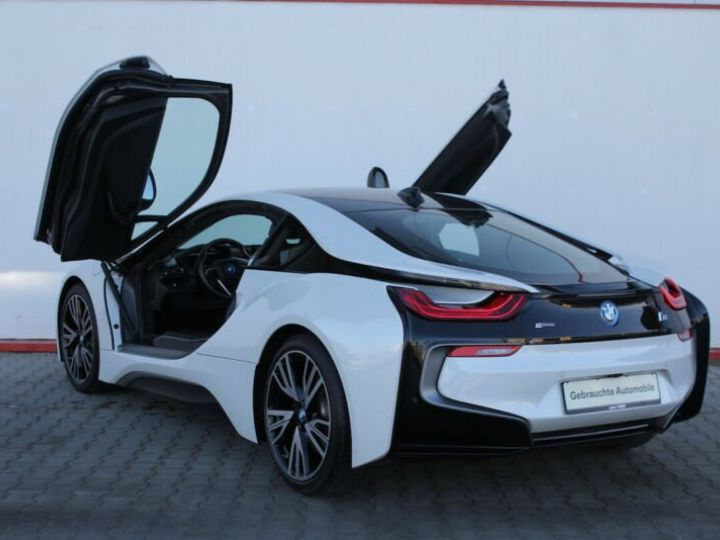 BMW i8 blanc - 5