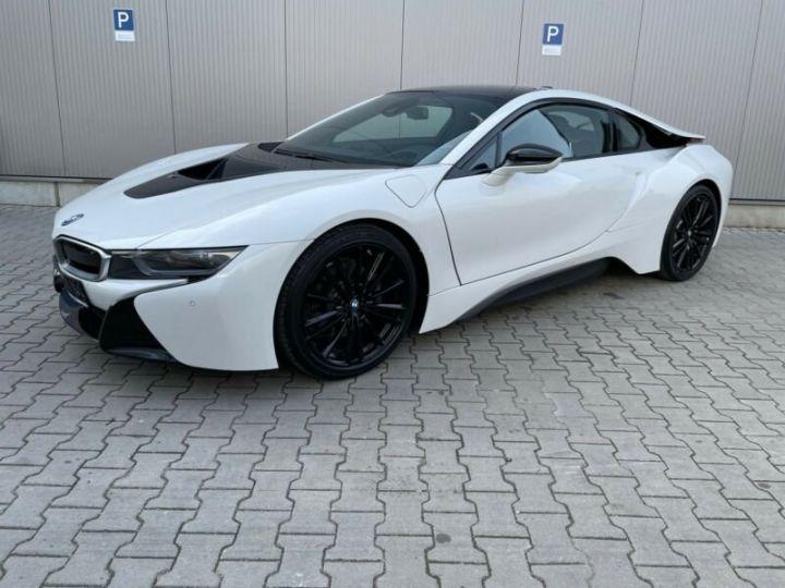BMW i8 blanc - 1