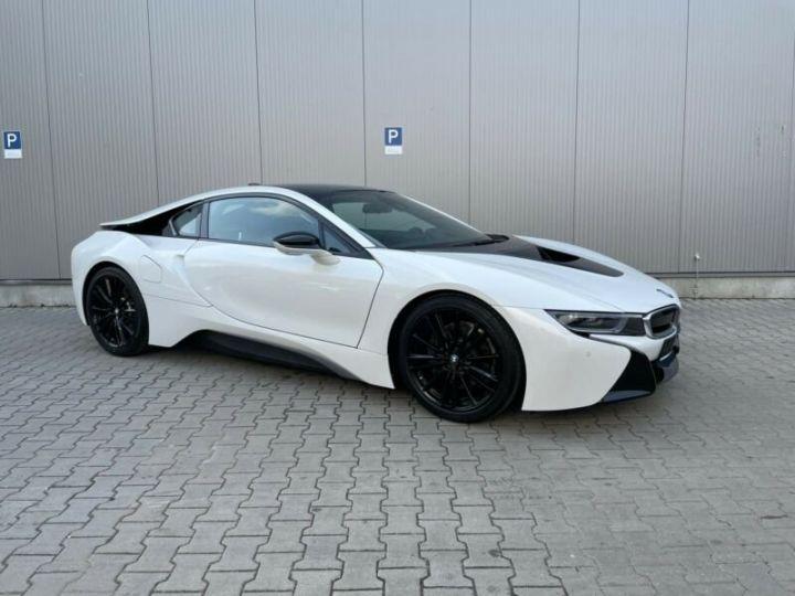 BMW i8 blanc - 4