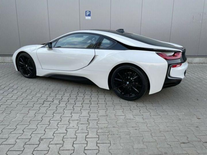 BMW i8 blanc - 7