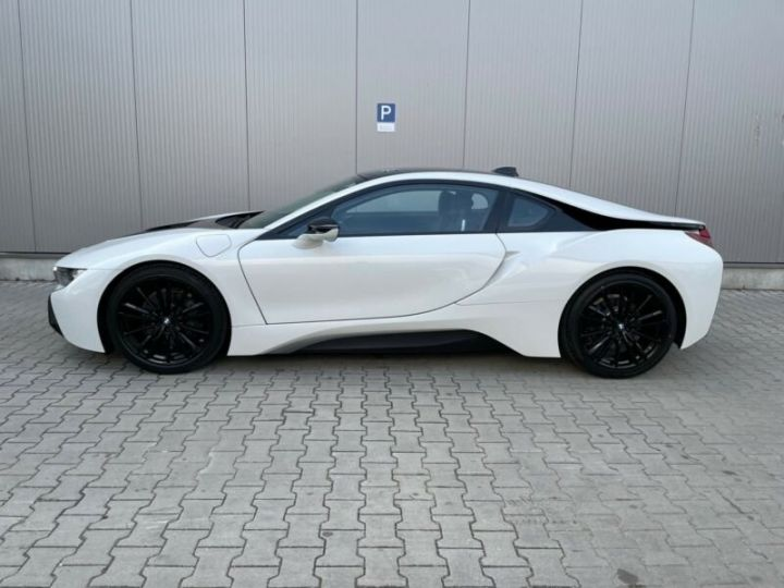 BMW i8 blanc - 8
