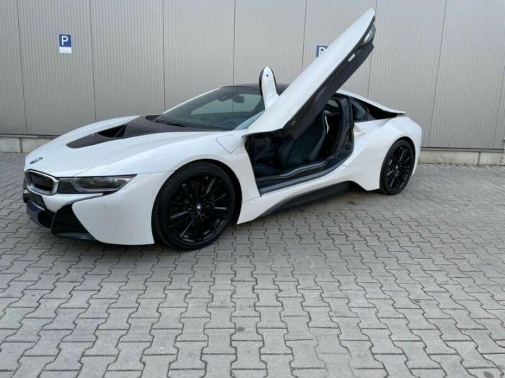 BMW i8 blanc - 9