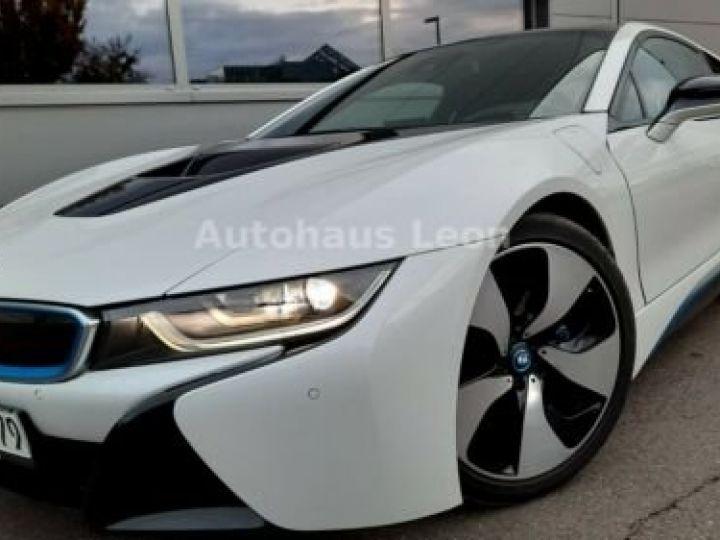 BMW i8 Caméra 360° / Affichage Tête haute / Phare LED / GPS / Garantie 12 mois Noir et blanc - 1