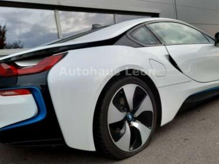 BMW i8 Caméra 360° / Affichage Tête haute / Phare LED / GPS / Garantie 12 mois Noir et blanc - 6