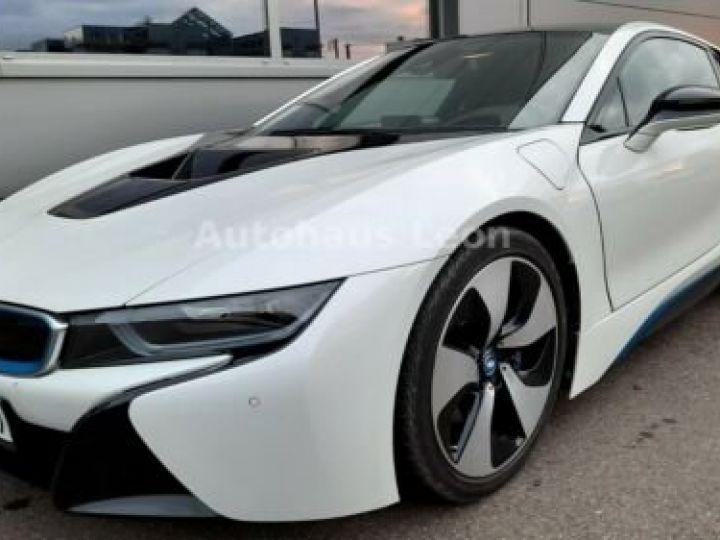 BMW i8 Caméra 360° / Affichage Tête haute / Phare LED / GPS / Garantie 12 mois Noir et blanc - 8
