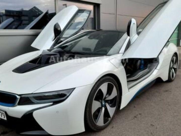 BMW i8 Caméra 360° / Affichage Tête haute / Phare LED / GPS / Garantie 12 mois Noir et blanc - 11