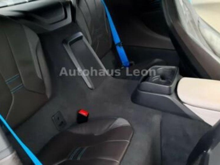 BMW i8 Caméra 360° / Affichage Tête haute / Phare LED / GPS / Garantie 12 mois Noir et blanc - 13