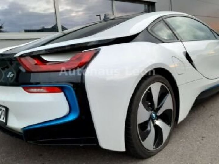 BMW i8 Caméra 360° / Affichage Tête haute / Phare LED / GPS / Garantie 12 mois Noir et blanc - 14