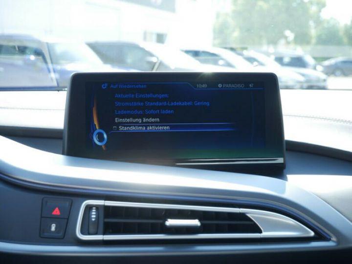 BMW i8 Coupé / ENCEINTE Harman/Kardon   AFFICHAGE Head-Up   GPS / BLUETOOTH / GARANTIE 12 MOIS  Noir et blanc - 9