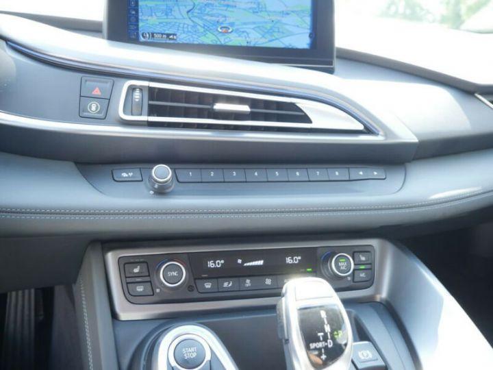 BMW i8 Coupé / ENCEINTE Harman/Kardon   AFFICHAGE Head-Up   GPS / BLUETOOTH / GARANTIE 12 MOIS  Noir et blanc - 11