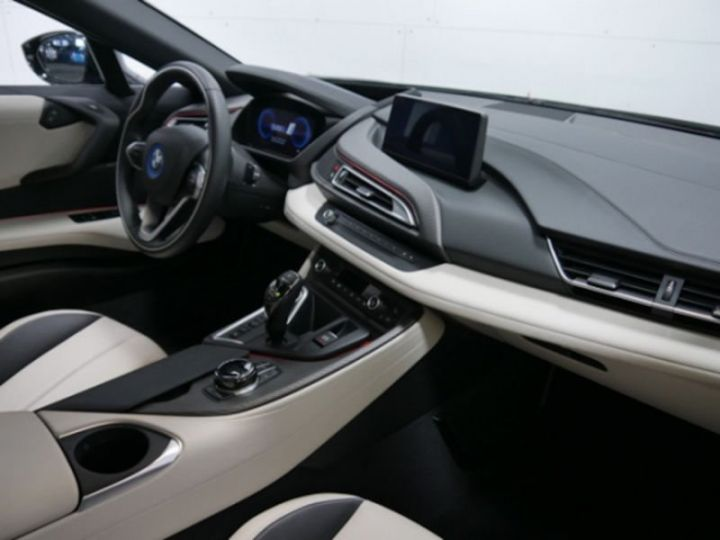 BMW i8 ROADSTER FROZEN GREY GRIS Occasion - 3