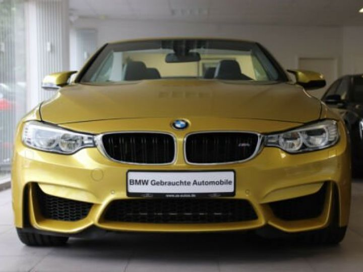 BMW M4 Moutarde  - 1