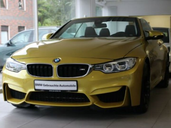BMW M4 Moutarde  - 2