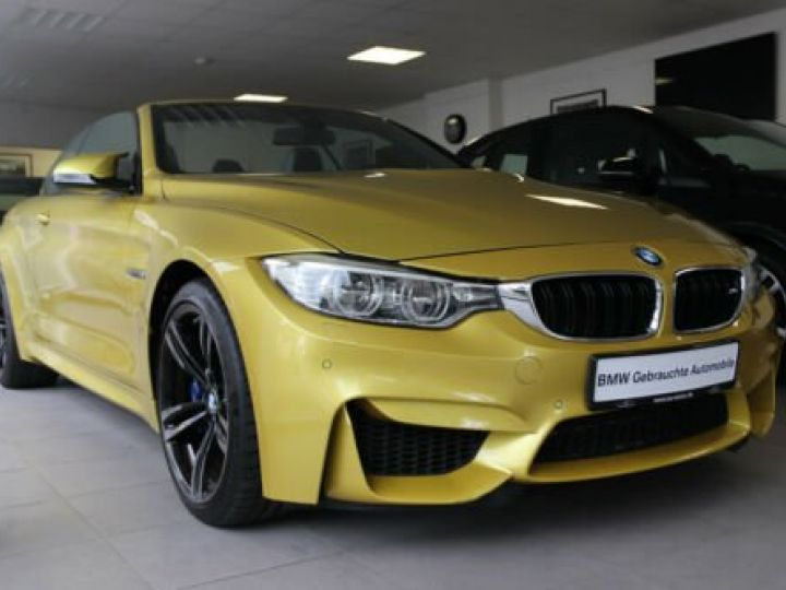 BMW M4 Moutarde  - 3