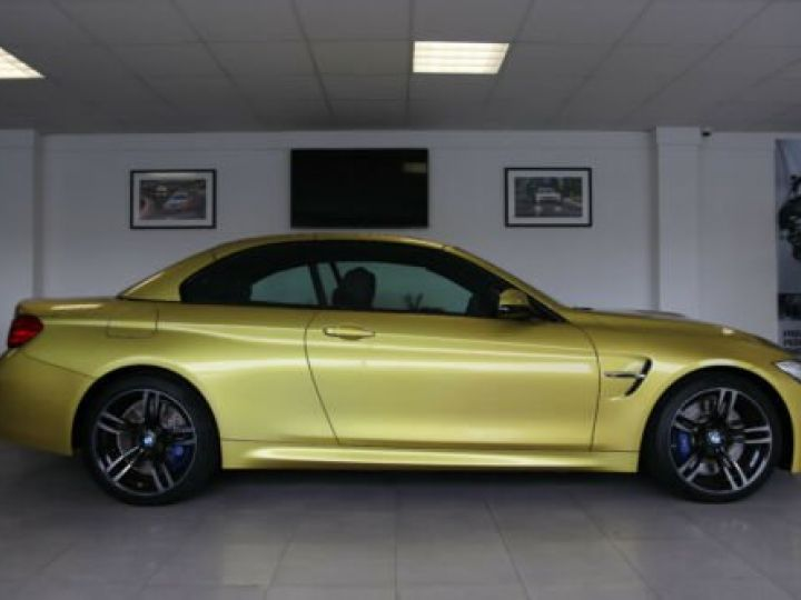 BMW M4 Moutarde  - 4