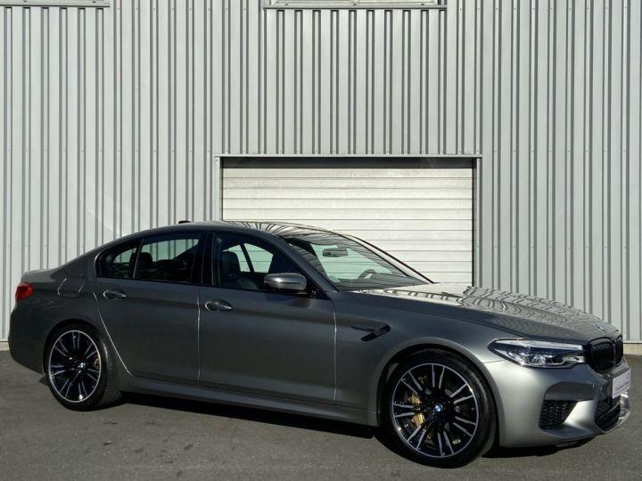 BMW M5 4.4 V8 BI-TURBO 600ch (F90) BVA8 GRIS - 3
