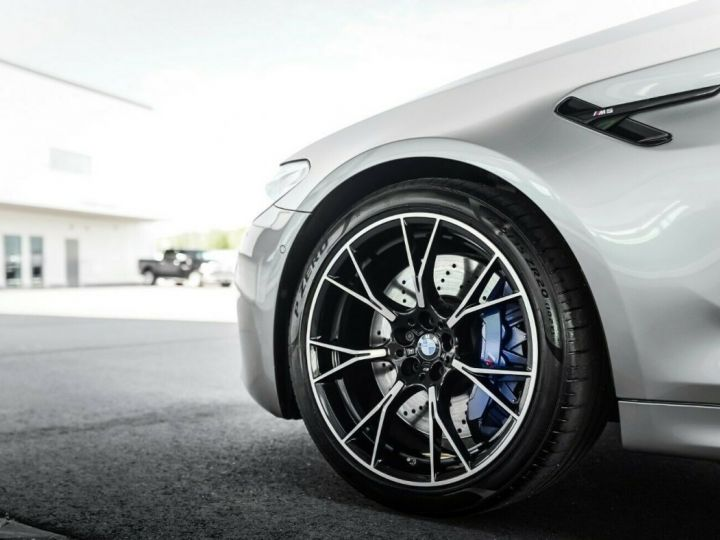 BMW M5 Competition 625 Gris - 14
